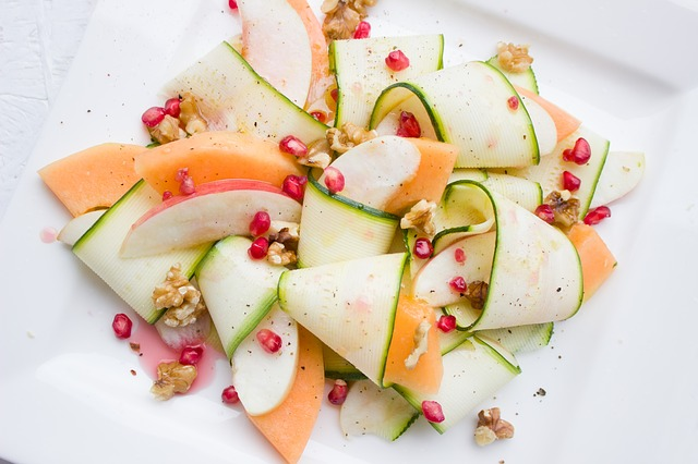 salade van courgette en meloen