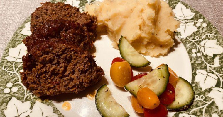 BBQ gehaktrol met aardappelpuree
